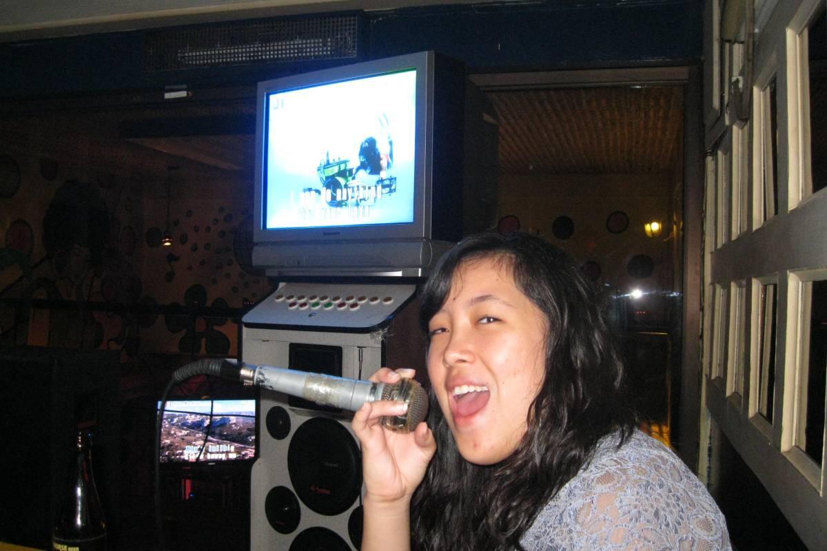 Filipino karaoke – Twelve-toed Traveler